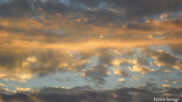 Photo du ciel Coulée jaune