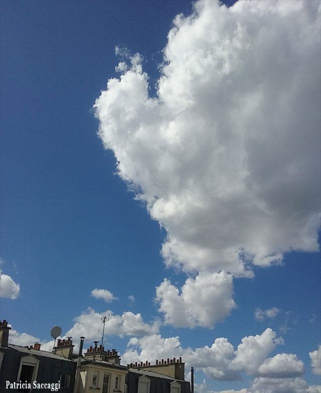 Montgolfière nuageuse