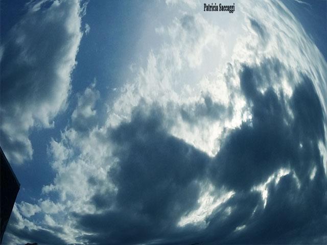 Photo du ciel, de Patricia Saccaggi. Paréidolie.